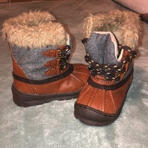 Baby Gap snow boots - size 6